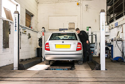 car-mechanics-all-alone-garage-bradford